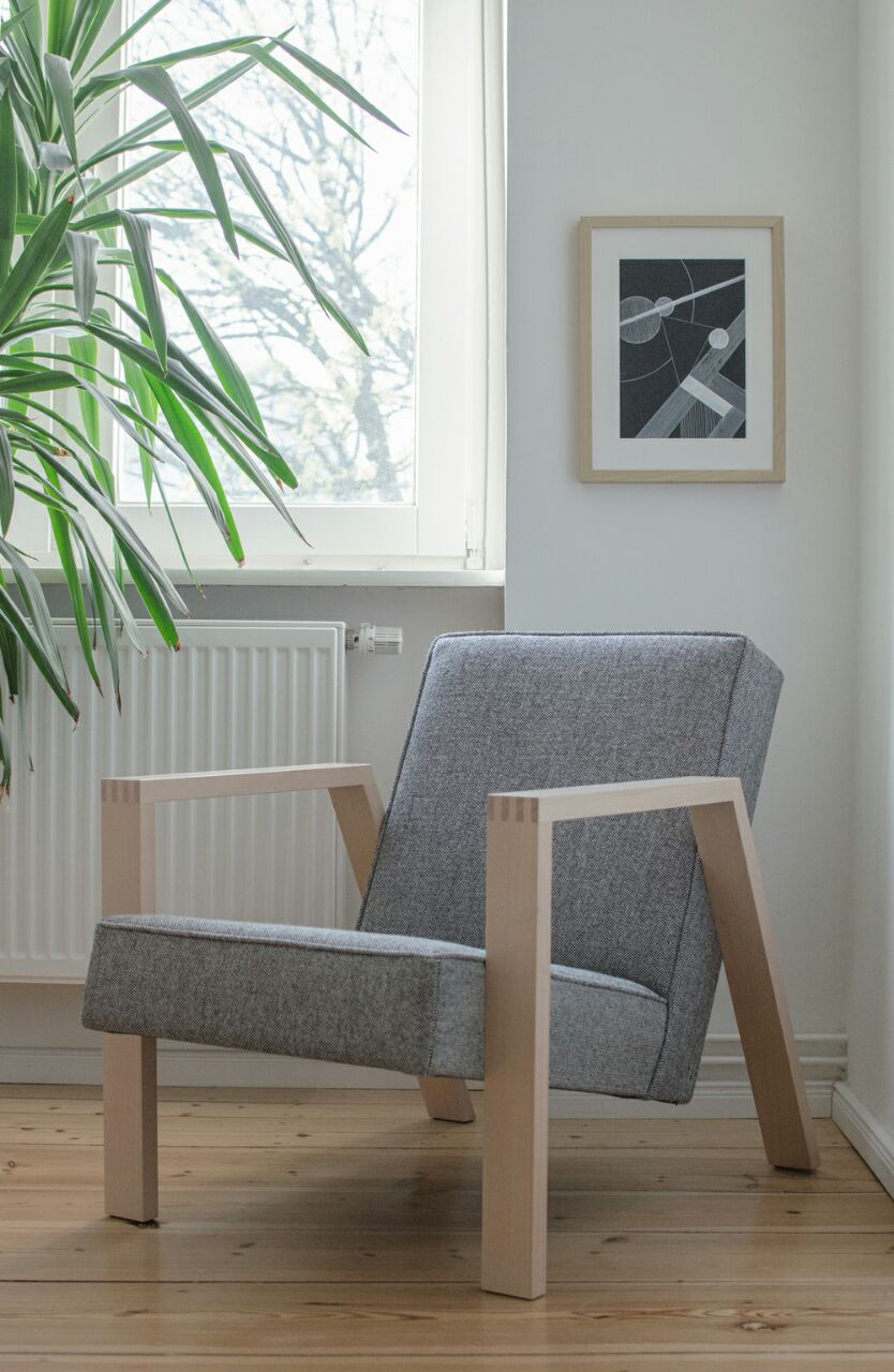 Pontier No. 01 with Kvadrat 65 – 166 upholstery